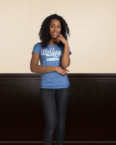 Whollyyou Classic T-Shirt in Blau für Frauen